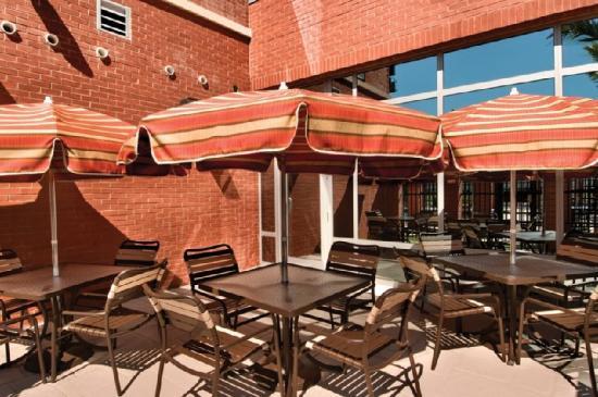 Hyatt Place Ft. Lauderdale Airport & Cruise Port: Patio