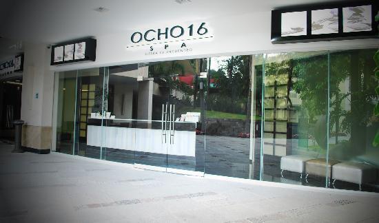 Ocho 16 Spa