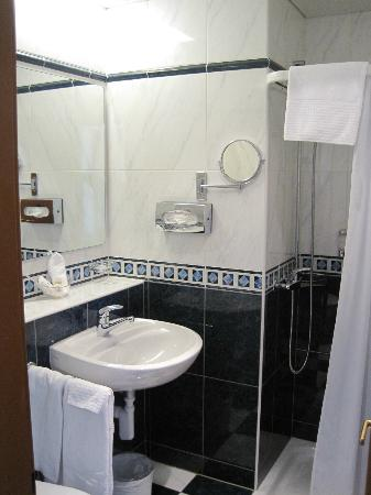 Best Western Plus Hotel Mirabeau: bathroom