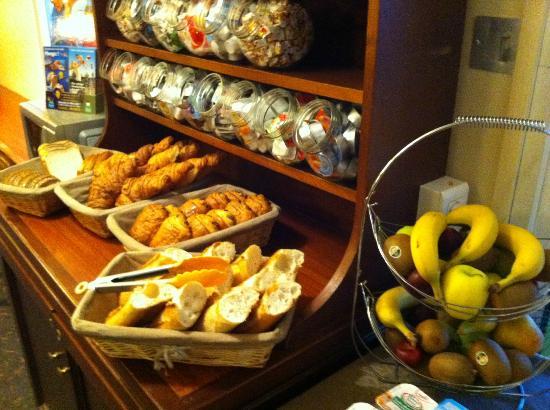 Quick Palace Tours Nord: petit dejeuner
