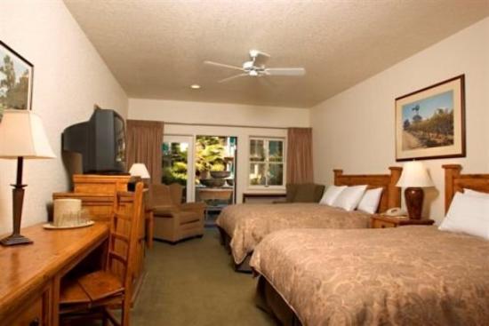 El Pueblo Inn: Sonoma Queen