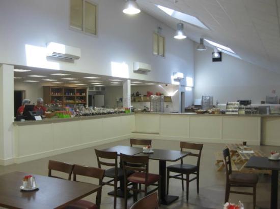 Beach Cove B&B : Inside the Skelligs Chocolate Factory: YUM!