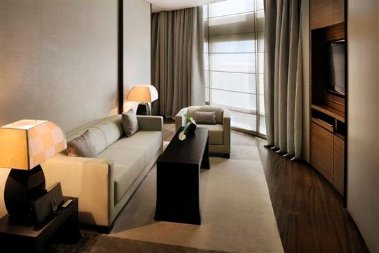Armani Hotel Dubai: Armani Classic Living Room
