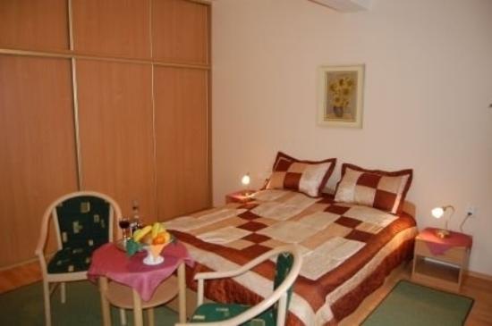 Hotel Jalta: Room