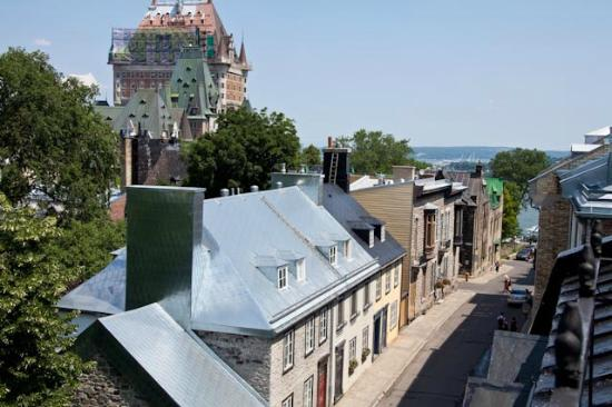 Hotel Cap Diamant: Daytime view from room, Chateau Frontenac and St. Lawrence River in distance