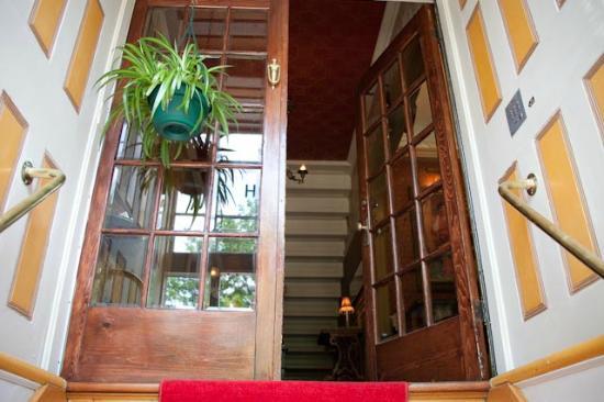 Hotel Cap Diamant: Front door
