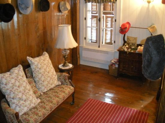 Maison La Chapeliere : inside