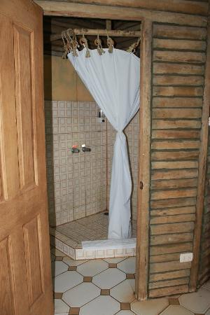 Rincon de la Vieja Lodge: Shower.