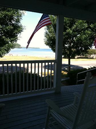 منتجع إدجووتر: View From Porch 