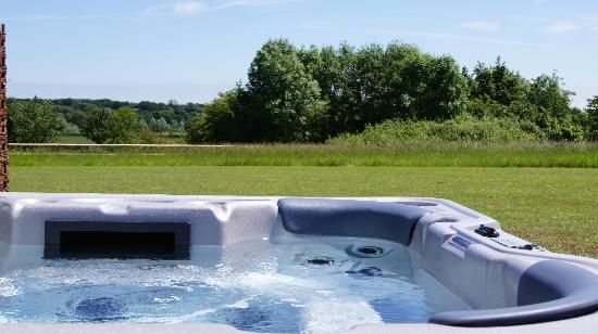 Fynn Valley Holidays: Hot tub offering beautiful views over the valley & beyond