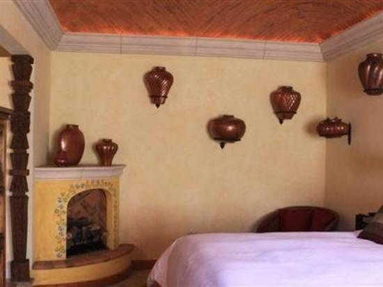 Antigua Capilla Bed and Breakfast: Guest Room