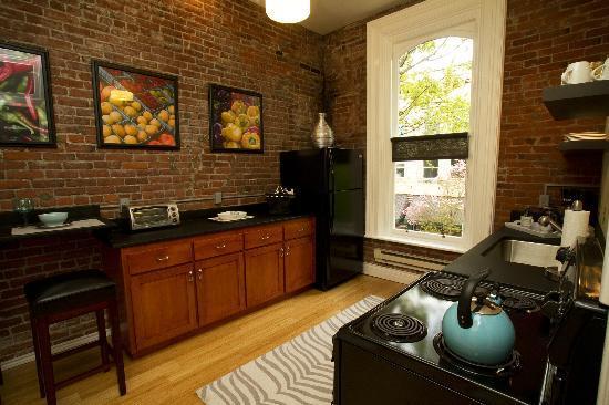 3rd Street Flats: 4th Flat - Kitchen