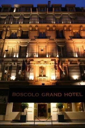 B4 Lyon: Hotel