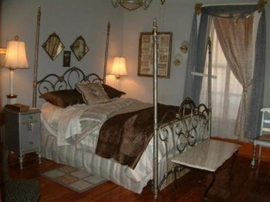 Breeden Inn Bed and Breakfast: Guest Room (OpenTravel Alliance - Guest room)