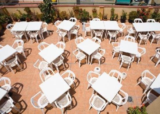 Hotel Carmen: Terrace