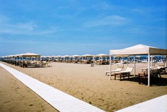 Hotel Le Focette: BEACH VIEW