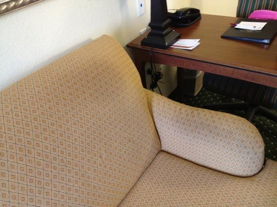 Residence Inn Killeen: signs of wearing on sofa