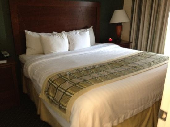 Residence Inn Killeen: pillows enough said