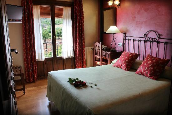 Hotel Doña Sancha: Habitación con cama 150 cts.