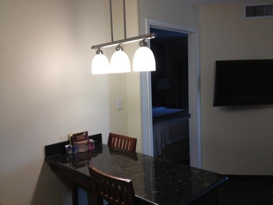 Residence Inn Killeen: Dining Table