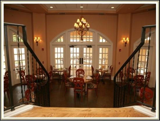 J.H. Adams Inn: Dining
