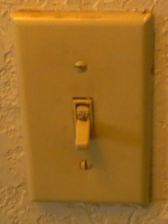 Knights Inn Corpus Christi/By the Beach: all switches bout this dirty