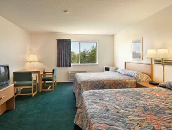 Super 8 Milaca: Guest Room