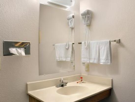 Super 8 Milaca : Guest Room