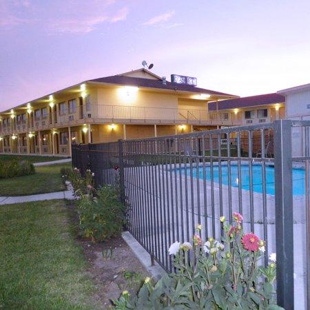 نايتس إن سان أنطونيو إيست: Rest Inn San Antonio TXExterior With Pool