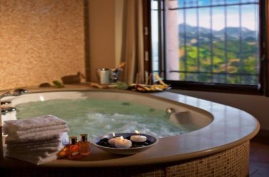 Oste del Castello Wellness & Bike: Bath Room