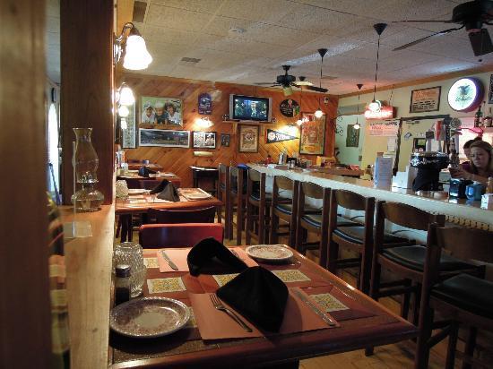 Messina's LaGriglia: separate bar area