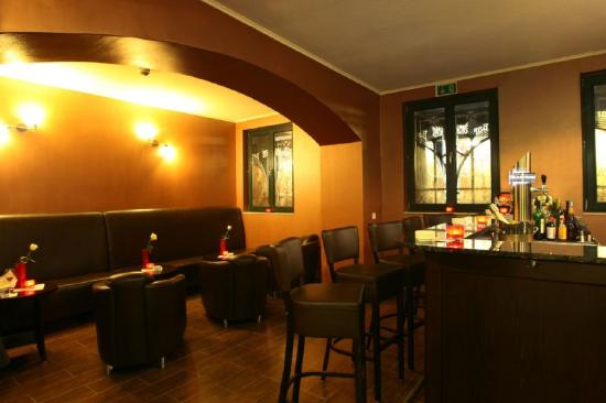 Grand Palace Hotel: Bar