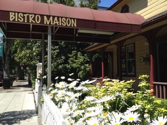 Bistro Maison: street view