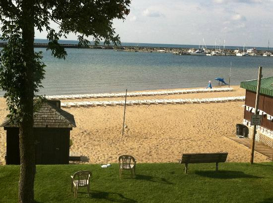 Tawas Bay Beach Resort: Bay Beach Resort view from room