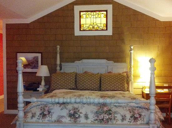 Lake Opechee Inn and Spa: The Atlantic Room
