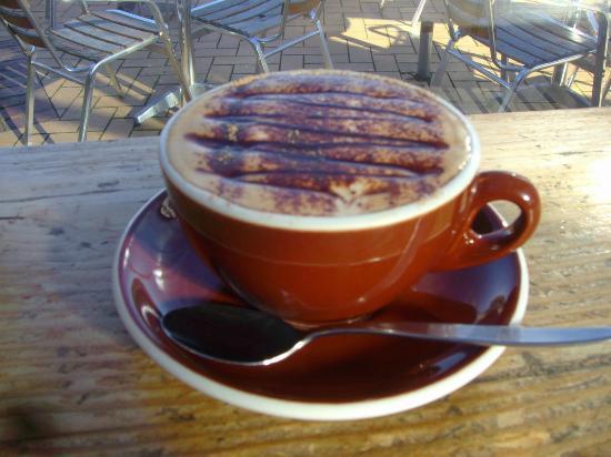 Pop Inn Cafe : Mochaccino