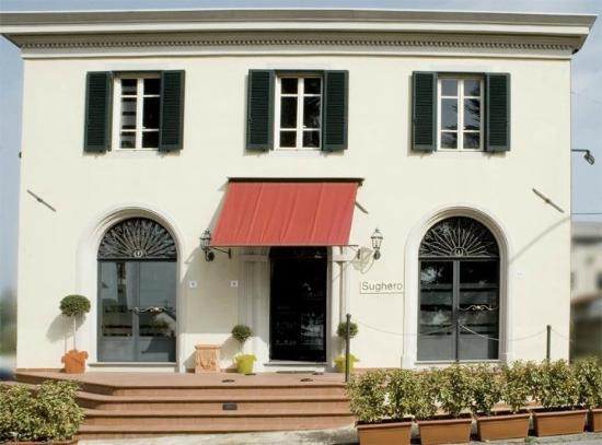 Sughero enoteca ristorante: veduta della facciata del locale