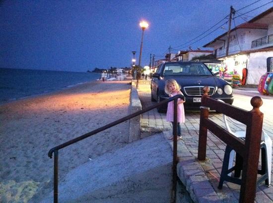 Royal Hotel: seafront at night