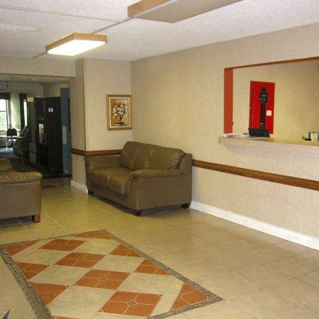 Airport Plaza Hotel Roanoke VALobby