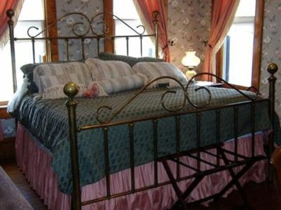 Baker House Bed and Breakfast: Other Hotel Services/Amenities