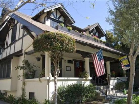 Old Yacht Club Inn Vacation Rentals: Old Yacht Club Inn Main House