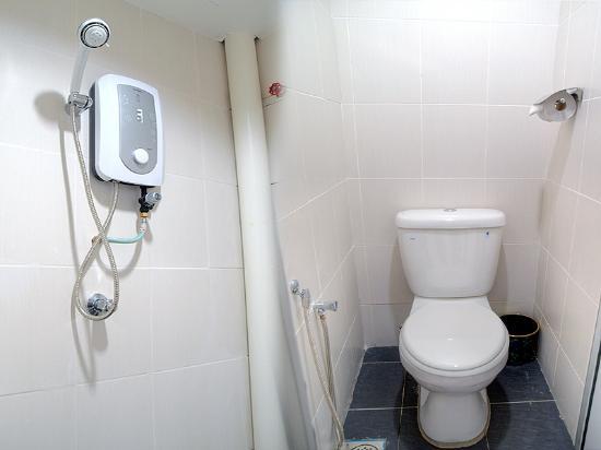 Hotel Bao Shu: 各室に温水シャワーとトイレ完備