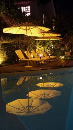 Pousada do Ouro: Pool Night