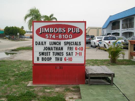 Jimbob's Pub: sing in front.