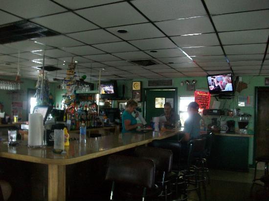 Jimbob's Pub: Bar area.