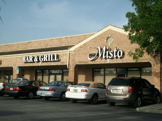 Misto Bar and Grill: Front of restaurant.