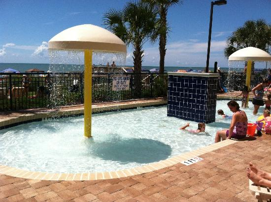 Grand Atlantic Ocean Resort: Kiddie splash pool area - my favorite
