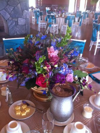 Honora Winery & Vineyard: Lorraine is a creative genius with flowers