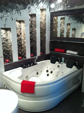 Komorowski Luxury Guest Rooms: Jacuzzi