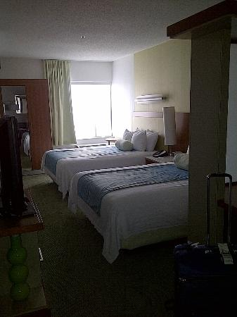 SpringHill Suites Columbia : main part of bedroom